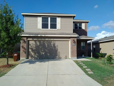 Photo for Sparkling clean two story house, close to Seaworld and Sixflags Fiesta Texas