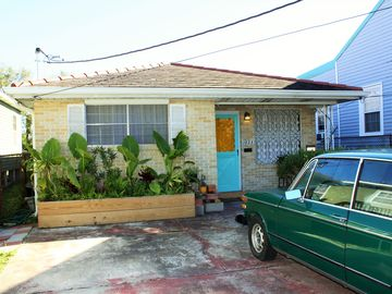 1960's Ranch style home in the Marigny. 2 Bedroom, Living room and Kitchen.