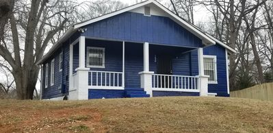 Photo for ATL Sparkle Blue Ranch House Close to Airport/Downtown Atlanta