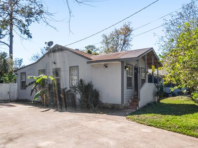 Photo for 3/2 Murray Hill Bungalow Home With BBQ Grill