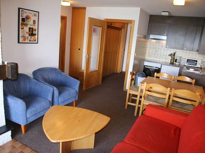 Photo for 2*, 1-bedroom-apartment, for up to 6 people, located near the skilift. Bright living room with firep