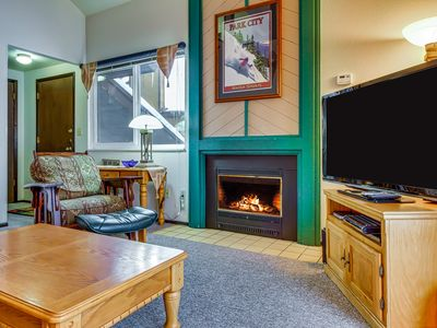 Photo for Canyons condo w/ shared pool, hot tubs, sauna - walk to Cabriolet gondola