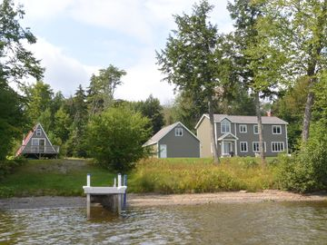PRIVATE WATERFRONT - Great for large groups 3600 Sq. feet-300 feet of waterfront