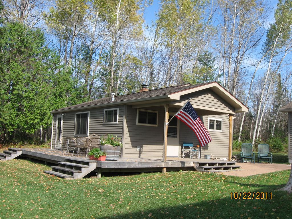 Very Secluded Lakefront Cottage On Ocqueoc Lake Millersburg