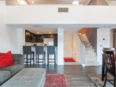 Beautiful, modern penthouse condo in heart of the Marina District!