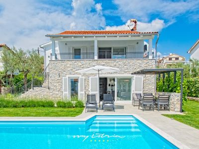 Photo for Charming villa with pool and sea view, Krk