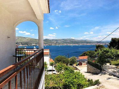 Photo for 2BR Apartment Vacation Rental in ��������iovo, Dalmatien