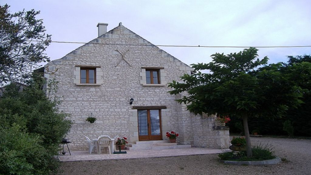 LE MURIER GITE MITOYEN 6 persPISCINE HEATED SHARED IN THE HEART OF THE VAL DE LOIRE