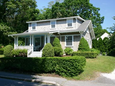 GREAT LOCATION....CLOSE TO TOWN AND TWO SALTWATER BEACH AREAS!