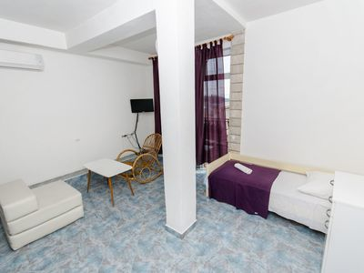Photo for Apartment and Rooms Ivan (45191-A10) - Makarska