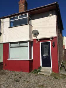 Photo for Comfortable house - Close to city centre - Ideal for football and attractions