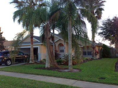 Photo for Wonderful 5 Bed 3 Bath Unit, located close to Disney in Indian Pointe Community