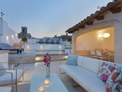 Photo for Large Townhouse with fantastic roof terrace and pool