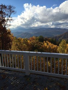 LookAround: Majestic Views And Happy Living in Sky Valley, Georgia