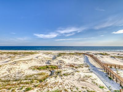 Photo for Waterfront retreat w/Gulf views, pool access, hot tubs, and more!