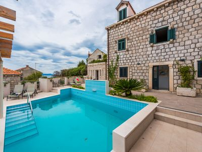 Photo for Charming 6 bedroom Stone Villa with Private Pool