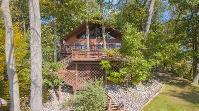 Photo for Seneca Sisters Lodge: Private escape with bonus lake cottage next to wineries