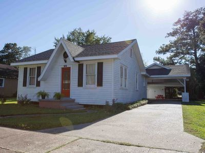 Photo for Cajun Home That Sleeps 8 Comfortably And Perfect Location To Explore Lafayette