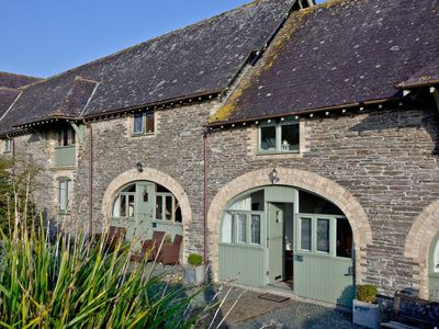 Photo for 1 bedroom accommodation in Noss Mayo