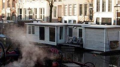 Photo for Houseboat city center, cozy and luxury.