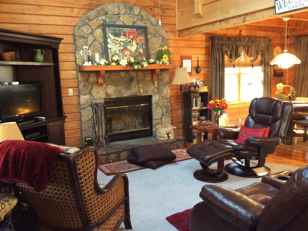 Serenity Cottage: Beautifully Furnished Secluded Cabin In Pine Mt ...
