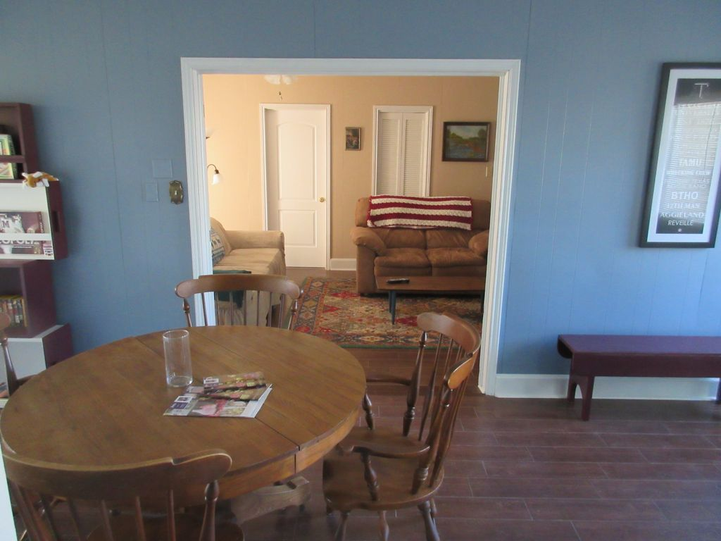 menefee house close to campus spacious backyard college station
