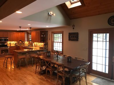 Waterville Estates Comfortable Luxury Home with Character 2 Car Garage Free WiFi