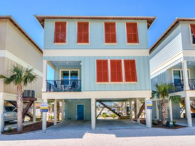 Photo for Gorgeous NEW (pets ok) cottage, near Hangout and 2 min from beach! Pool, parking