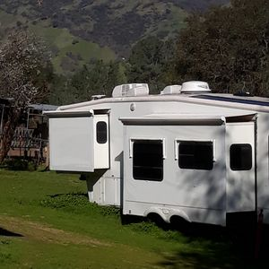 SPACIOUS RV HOME RANCH STAY