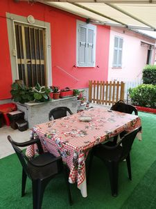 Photo for Detached house with outdoor space in a quiet area