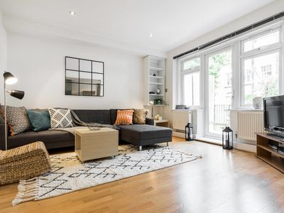 Photo for (2) Beautiful 2 Bed 2 Bath & Balcony in Belsize Park