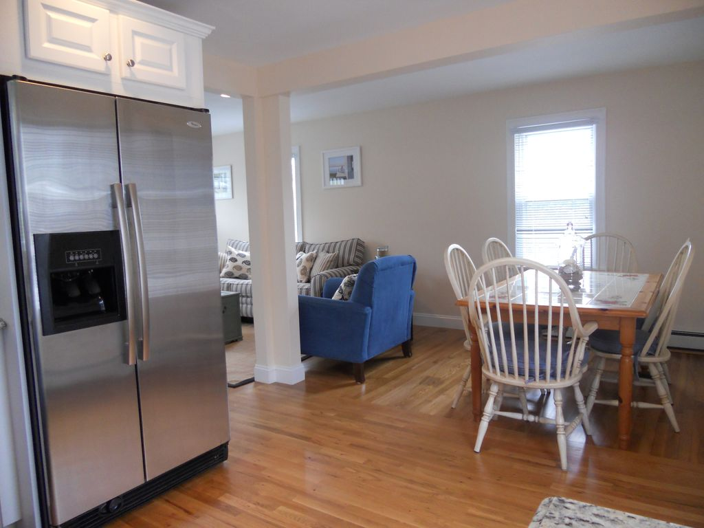 Charming 'Waterfront Distric 'Home in the Heart of Hyannis Port.