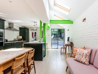 Photo for Beautiful 3 Bed Family Home with Gorgeous Garden