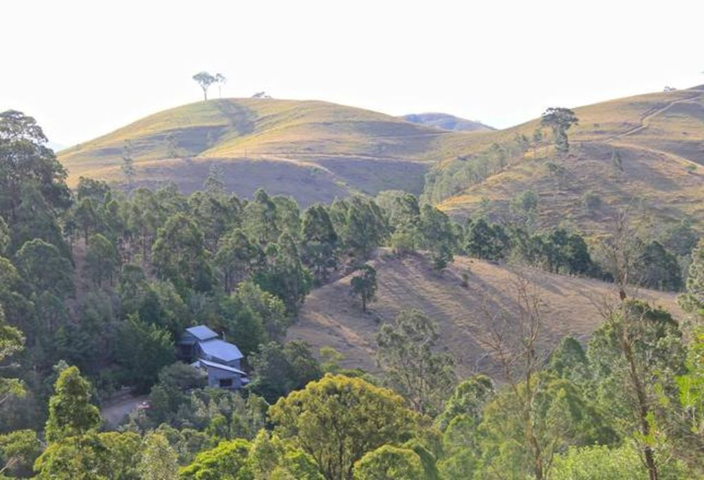 Unique mountain getaway for large groups in the scenic Hunter Valley