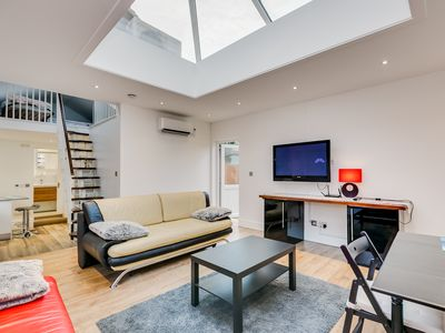 Photo for 1BR Guest House Vacation Rental in London, England