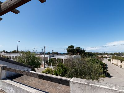 Photo for Centrally Located Holiday Apartment with Balcony; Pets Allowed