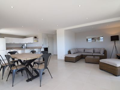 Photo for Appt 107m², 5 star rating, 2 bathrooms, 3 terraces (19,10,3m²), view 270 ° sea, mountain