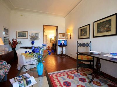 Photo for Spacious Canottieri apartment in Oltrarno with WiFi & lift.