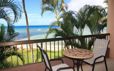Photo for Tropical Paradise! Oceanfront - steps from the Beach!