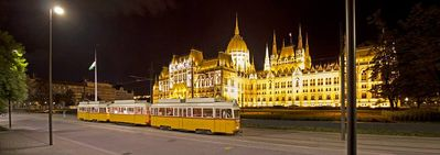 Parliament with tram 2 ,  1 min. from the apartment