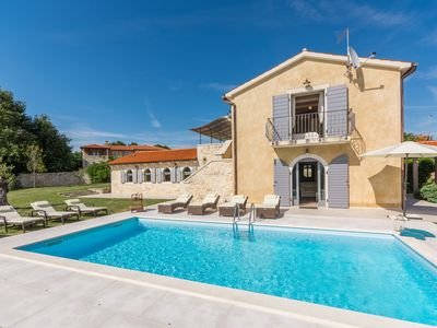 Photo for Luxurious villa with private pool for ideal family vacation in Central Istria