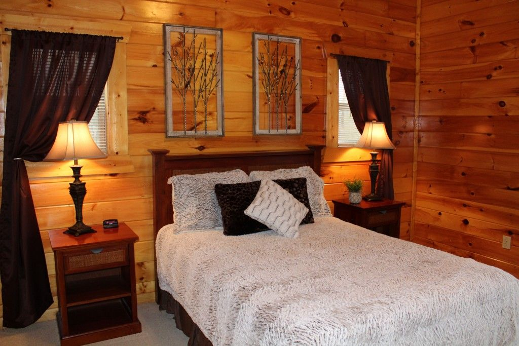 River Song Retreat Four Bedrooms Cabin