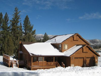 Photo for Eagle Point Escape Log Style Cabin *BEST LOCATION* w/Spa+2 Master+GameRoom