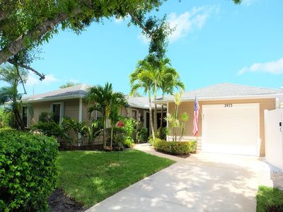 Photo for Beautiful 2 BED / 2 BATH / 1 Car Garage Tropical Paradise with Pool and Hot Tub!