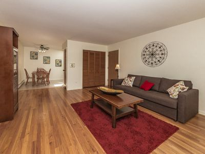 Photo for Cozy Condo Sleeps 5, Mins From O'Hare/Rosemont...
