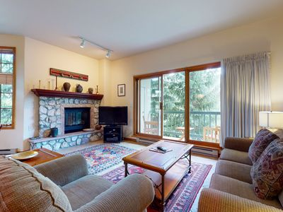 Photo for Modern ski-in/ski-out condo w/ gas fireplace, WiFi, shared pool & hot tub access