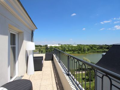 Photo for Apartment 10 pax lake view and Disneyland Paris (HONORE1)