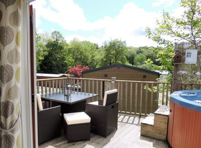 3 bedroom, family friendly, pet friendly woodland lodge with hot tub at  Finlake - Chudleigh
