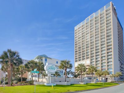 Photo for Awesome Oceanfront One Bedroom along the Golden Mile