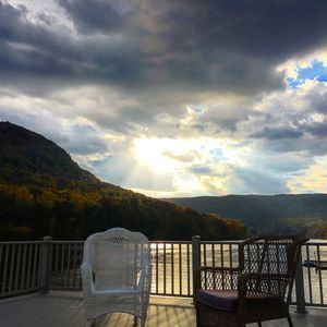 Waterfront Paradise- 10 minutes from downtown Chattanooga